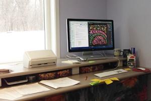 shelly-digital-desk