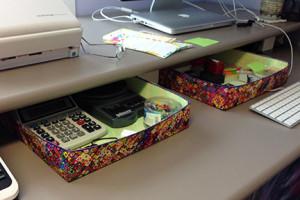 shelly-digital-desk-trays