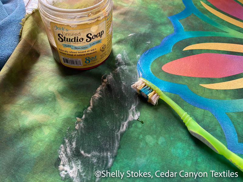 Scrub marking pencil with oil-based soap
